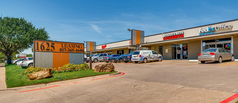 Office, Flex, Industrial & Warehouse Space for Lease in Dallas Hospital District on Mockingbird Road